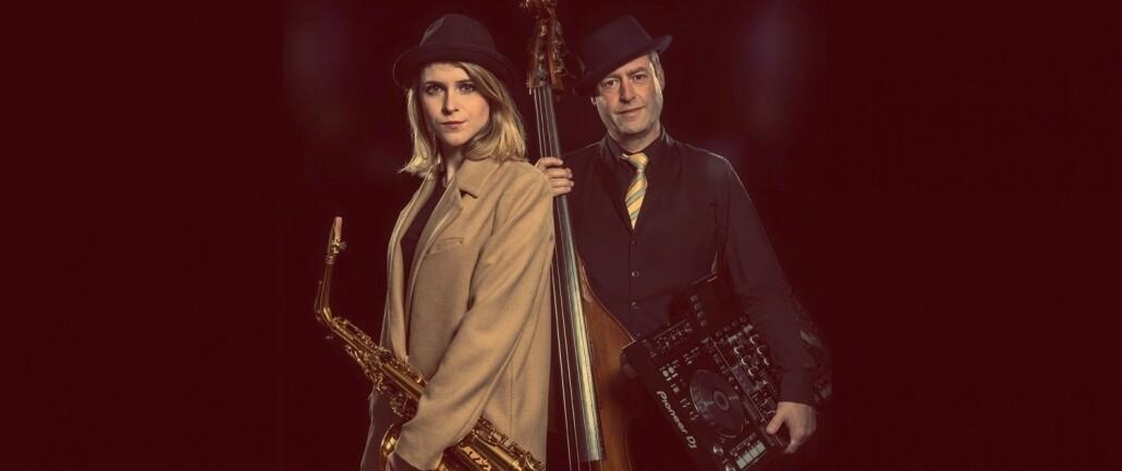 Dj met saxofoon