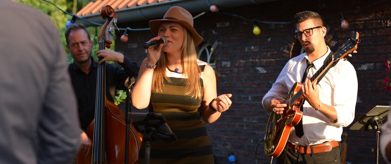 Akoestische band met zangeres Sophie Mol